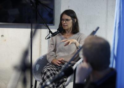 Lernerlebnisse im analogen und digitalen Raum – Tischgespräch mit acht Praktiker*innen wie Tomke Hahn und Felix Hansen